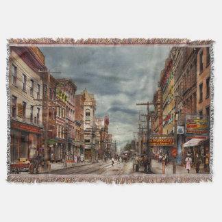 City - NY - The ever changing market place 1906 Throw Blanket