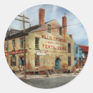 City - VA - Dealers in Fertilizers Round Sticker