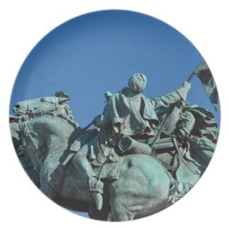 Civil War Soldier Statue in Washington DC_ Dinner Plate