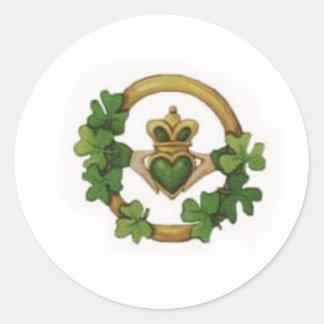 claddagh classic round sticker