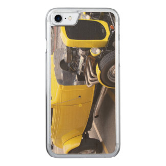 Classic yellow car carved iPhone 7 case
