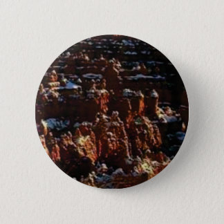 cliffs of the red rock of snow 6 cm round badge