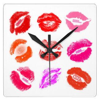 CLOCK - LIPSTICK KISSES KISS