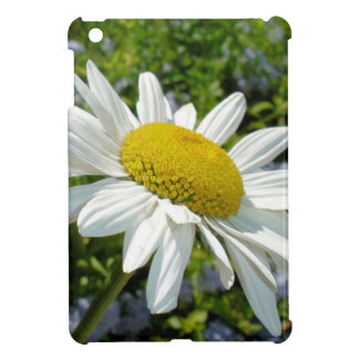 Close Up Common White Daisy With Garden iPad Mini Covers