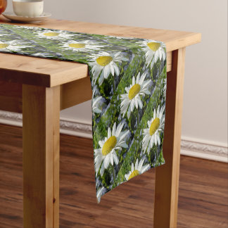 Close Up Common White Daisy With Garden Short Table Runner