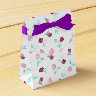 Clover Flowers Tent Favor Box