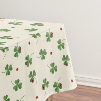 Clovers and ladybugs pattern tablecloth