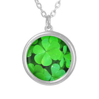 Clovers Round Pendant Necklace