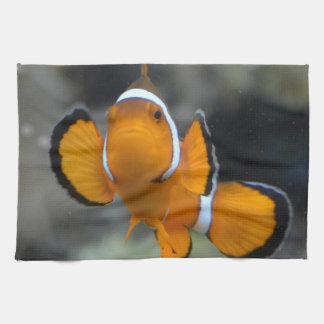 clownfish facing front tea towel