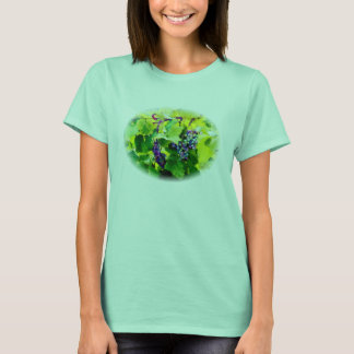 clusters of grapes 17 T-Shirt
