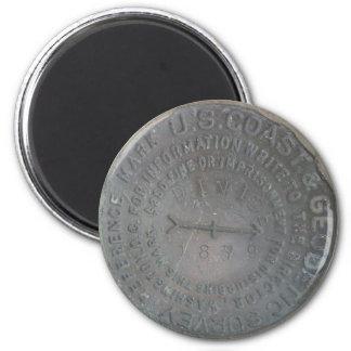 Coastal Divide Benchmark 6 Cm Round Magnet