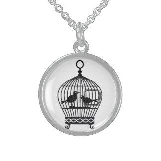 Collar Round Pendant Necklace