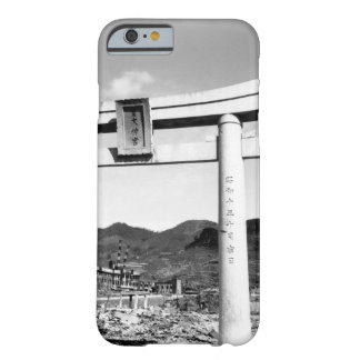 Cologne Cathedral stands undamaged_War Image Barely There iPhone 6 Case