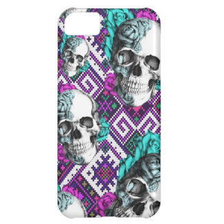Colorful Aztec pixel pattern with rose skulls iPhone 5C Case
