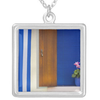 Colorful design contrast on residence square pendant necklace