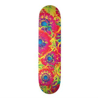 Colorful floral artwork 20.6 cm skateboard deck