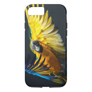 Colourful flying Ara on a dark background iPhone 7 Case