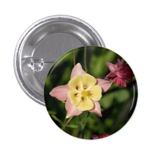 Columbine with Star Shaped Leaves 3 Cm Round Badge