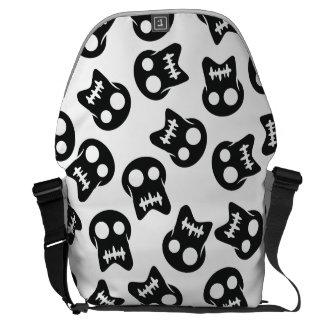 Comic Skull black pattern Courier Bag