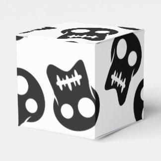 Comic Skull black pattern Favour Boxes