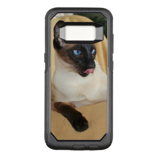 Comical Seal Point Siamese Cat Licking It's Nose OtterBox Commuter Samsung Galaxy S8 Case