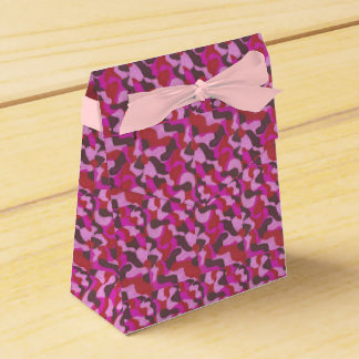 composition in rose favour box