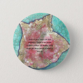 Conch shell 6 cm round badge