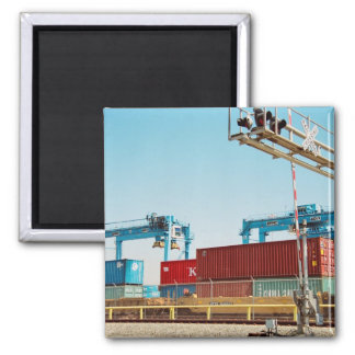 Containers in Port Magnet