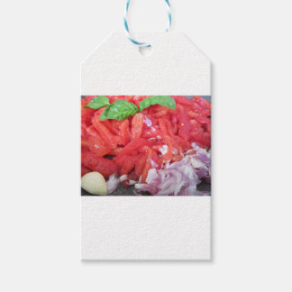 Cooking homemade tomato sauce using tomatoes gift tags