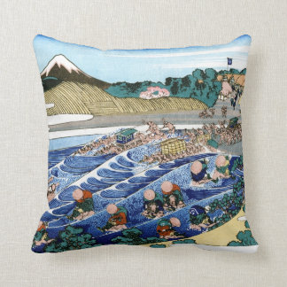 Cool oriental japanese Hokusai Fuji View landscape Throw Pillow