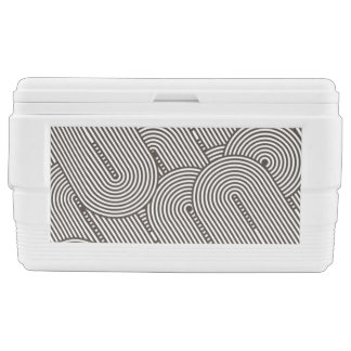 Cooler with Round Line Pattern