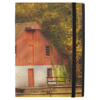 "Country - Barn - Out to pasture iPad Pro 12.9"" Case"