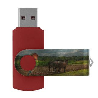 Country - Ringoes, NJ - Preparing for crops Swivel USB 2.0 Flash Drive
