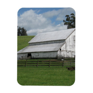 Countryside old white barn 3 in. x 4 in. Magnet
