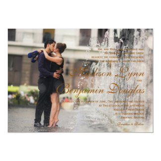 Couple romance kiss in fountain/Wedding Invitation
