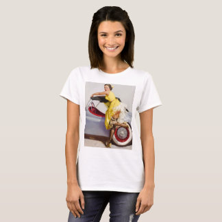Cover up retro pinup girl T-Shirt