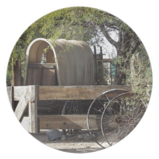 Covered Wagon Party Plates