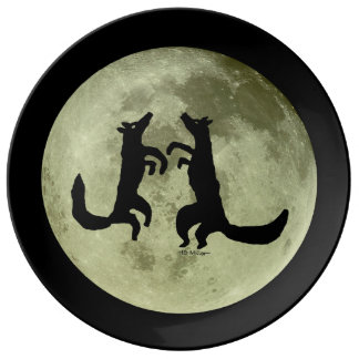 Coyote Crooners Singing to the Moon Plate