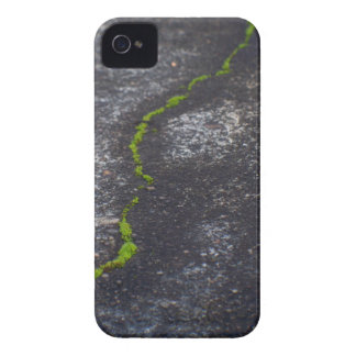 Crack 4/4s BarelyThere ID iPhone 4 Cover