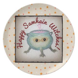Crafty cauldron keeps a watchful eye on your Samha Plate