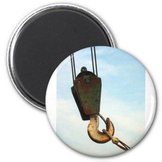 Crane Hook 6 Cm Round Magnet