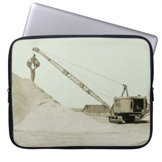 CRANE OPERATOR EARLY NORTHWEST MODEL 104 CLAMSHELL LAPTOP SLEEVE
