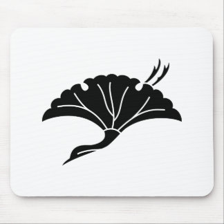 Crane-shaped ginkgo leaf mouse pad