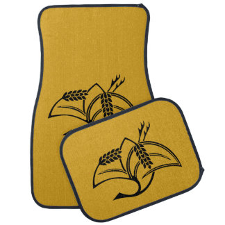 Crane-shaped rice plant car mat