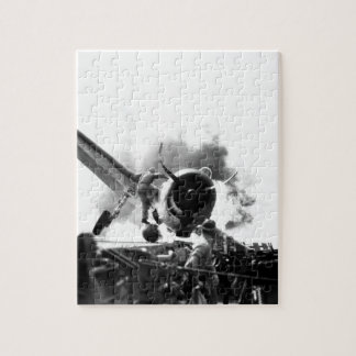 Crash landing of F6F on flight deck of_War Image Jigsaw Puzzle