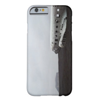 Crashed plane in Sólheimasandur iPhone 6 case Barely There iPhone 6 Case