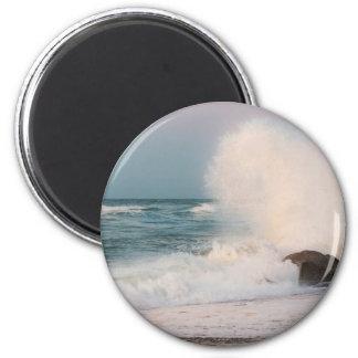 Crashing wave magnet