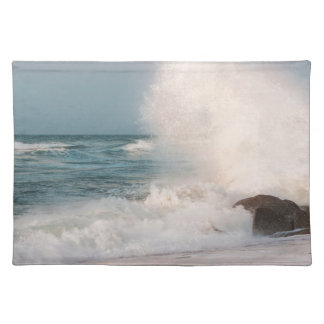 Crashing wave placemat