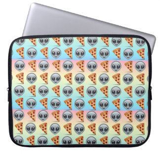 Crazy Aliens & Pizza Emoji Pattern Laptop Sleeve
