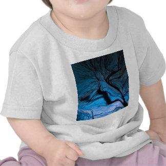 crazy blurred tree, blue tee shirts